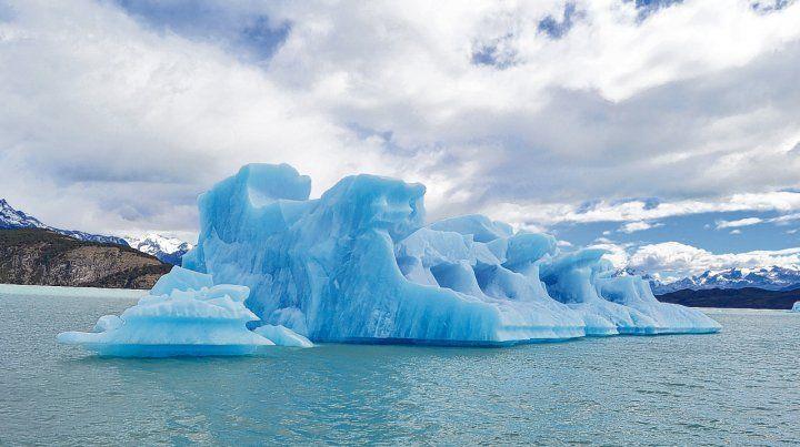 Impresionante. Navegar por el Parque Nacional Los Glaciares permite disfrutar de los témpanos del gran Campo de Hielo Patagónico