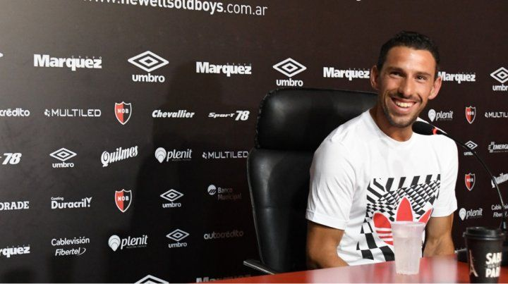 Pura sonrisa. Maxi Rodríguez dijo que llega a Newells para sumar desde el lugar que me toque.