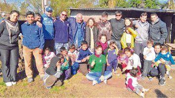 Audaces. El grupo Alquimistas se lanzó a construir un merendero de 60 metros cuadrados al que asistirán más de 100 chicos.