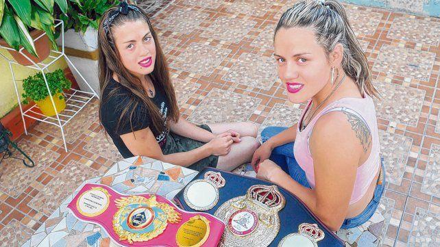 Cómodas. La Princesita Evelyn y la Bonita Daniela