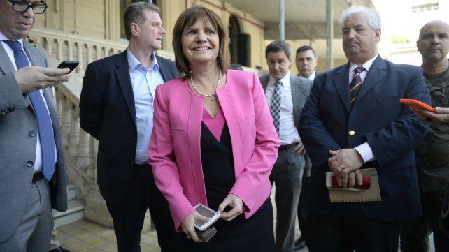 Bullrich durante una visita a los Tribunales Federales de Rosario.