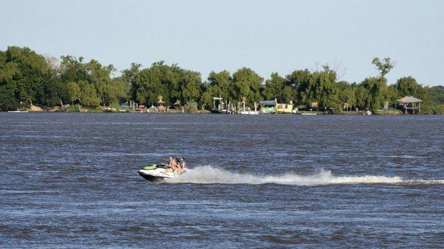 El primer día del año arrancó con un tiempo ideal para disfrutar del río.