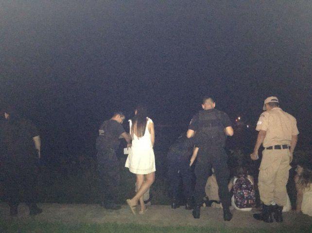 Rescataron a una joven que cayó por la barranca durante los festejos