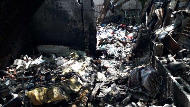 Así quedó la casa de Rubén Darío al 2000 tras el pavoroso incendio.