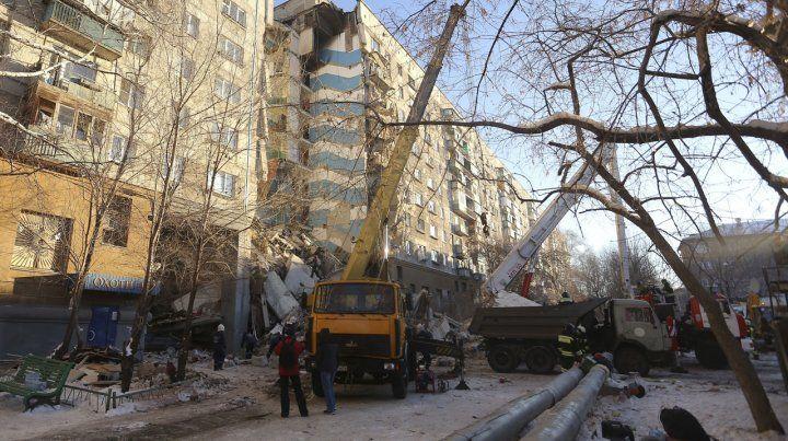 El edificio se vino abajo el lunes por la mañana a causa de una explosión provocada por una fuga de gas.