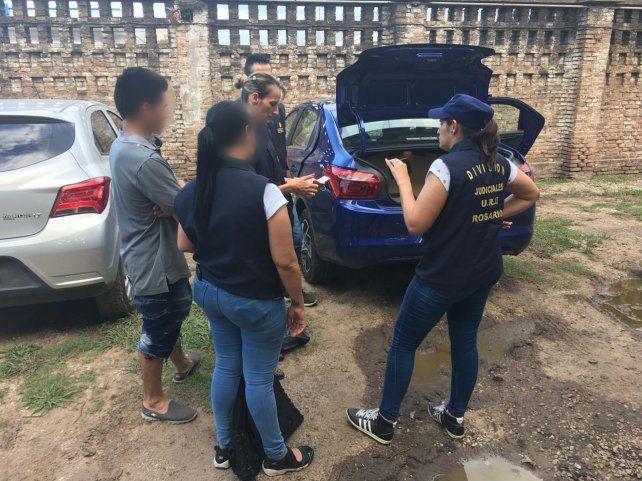 Detienen a dos policías que respondieron a una denuncia de robo y se llevaron dinero