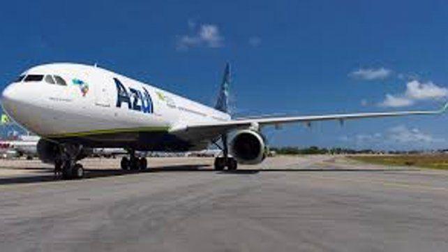 Azul mantendrá su vuelo desde Rosario al nordeste de Brasil