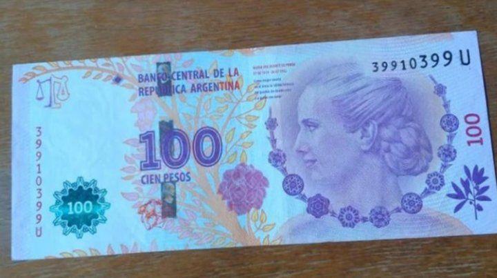 Un aficionado pagó 2.500 pesos por un billete de 100 pesos de Evita
