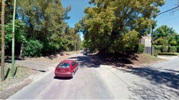 La joven fue interceptada mientras caminaba hacia su casa en Villa Elisa.