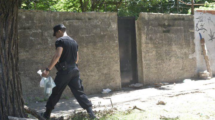 Hallaron en la calle el cadáver de un hombre que presentaba un golpe en la cabeza