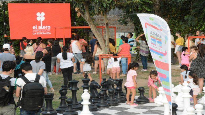 Alero. En Villa Gobernador Gálvez se inauguró el año pasado una opción que reunió a los vecinos.
