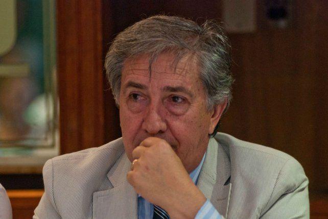 Senador provincial del PJ dijo que respaldará la candidatura de Bonfatti
