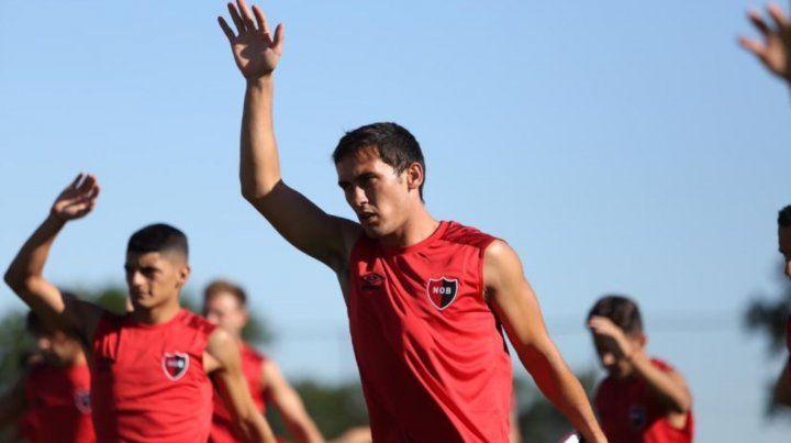 Angelo Gabrielli firmó el contrato al mediodía y a la tarde se sumó a la pretemporada en Bella Vista.