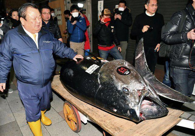 Subastan un ejemplar de atún en un precio récord de 3 millones de dólares