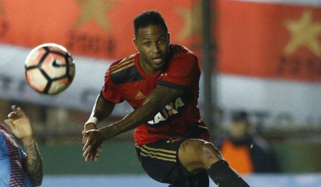 Se viene Reinaldo Lenis. El atacante cafetero fue solicitado expresamente por el entrenador Héctor Bidoglio. El pase era de Sport Recife