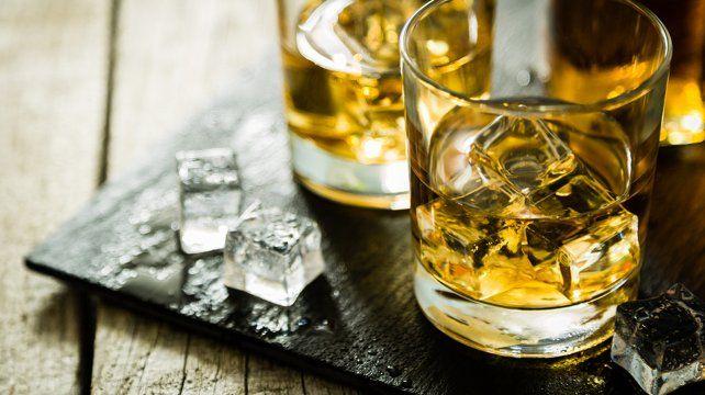 Un sacerdote alemán ofrece ejercicios espirituales con whisky