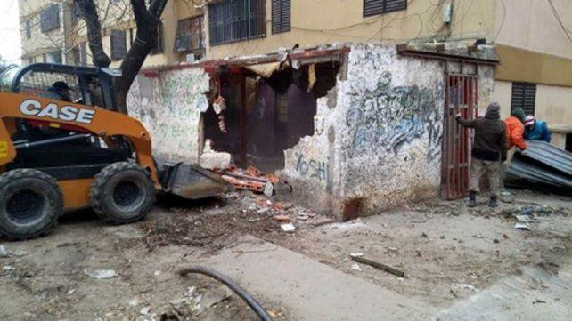 Construcciones ilegales. En el año se realizaron unas 200 intervenciones para liberar espacios comunes del Fonavi de Grandoli y Gutiérrez.