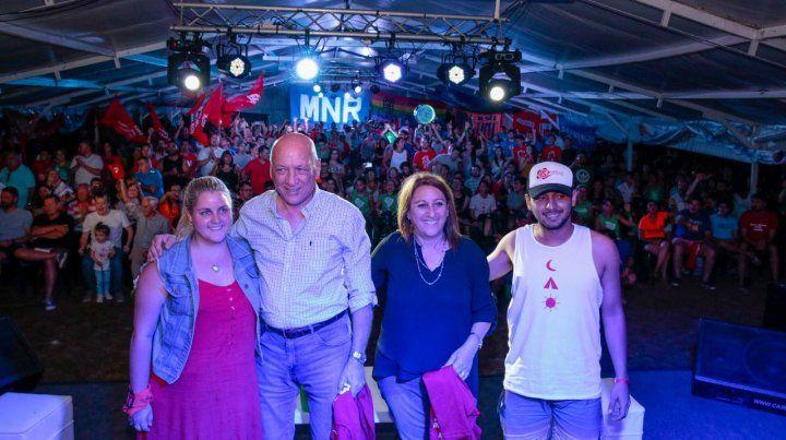 Bonfatti y Fein en el campamento de la juventud socialista.
