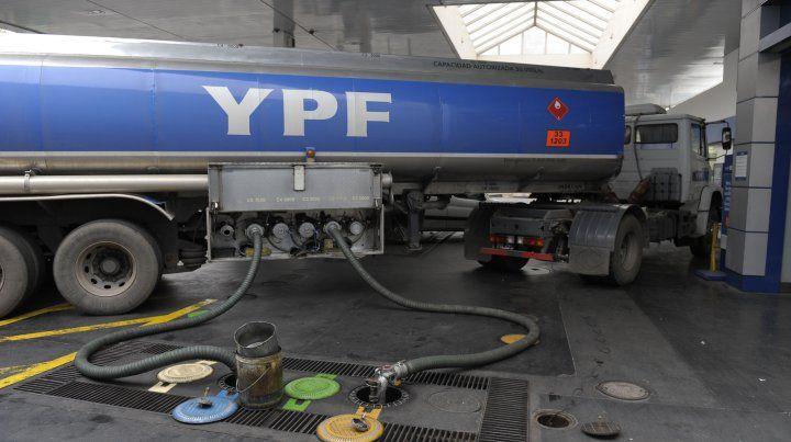 YPF anunció una baja de hasta el 3,2 por ciento de sus combustibles