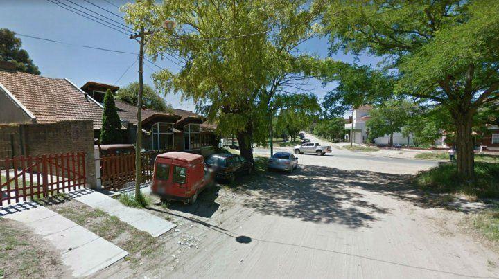 Los jóvenes alquilaron una casa sobre la avenida 5.