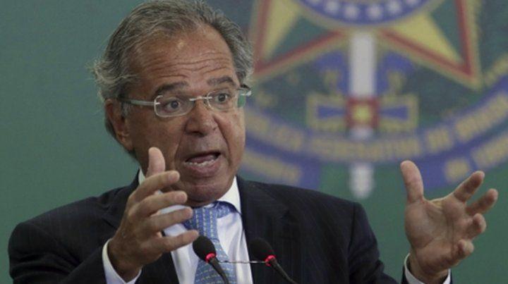 Enfático. Paulo Guedes quiere replantear el rol del BNDES y la Caixa