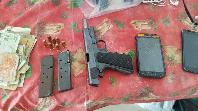 Una de las armas incautadas en República de la Sexta.