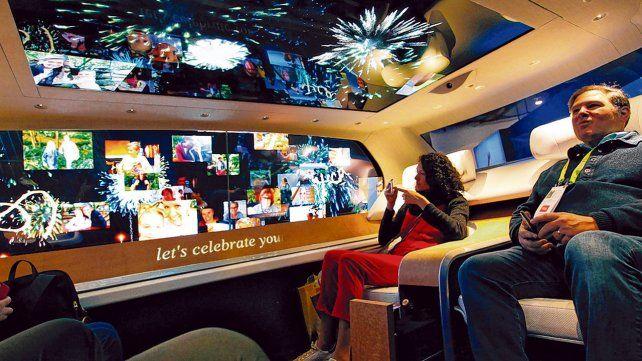 Entretenimiento a bordo. Así viajarán los pasajeros en un tiempo no tan  lejano según el modelo de Panasonic para un coche autónomo.