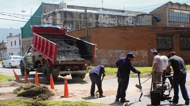Sudoeste. Cuadrillas realizaron mejoras en las calles de barrio Alvear.