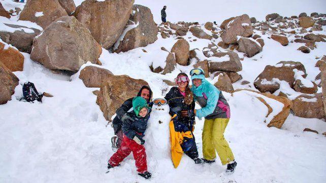 Verano invernal: la nieve sorprendió a turistas y habitantes de Bariloche