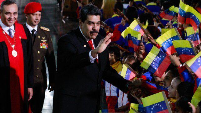 Argentina desconoce la legitimidad del mandato de Maduro en Venezuela