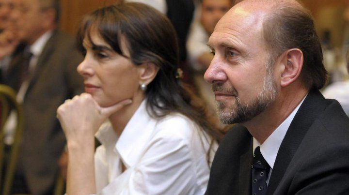 La ex vicegobernadora tendrá como principal contrincante en la interna al senador Omar Perotti
