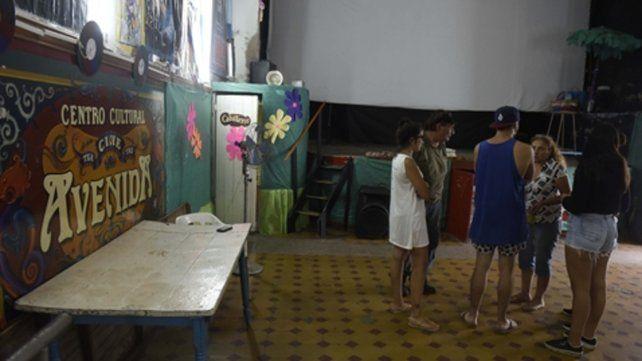 El lugar. La sala es un típico cine teatro de barrio