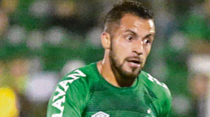 Volante. Héctor Canteros surgió en Vélez.
