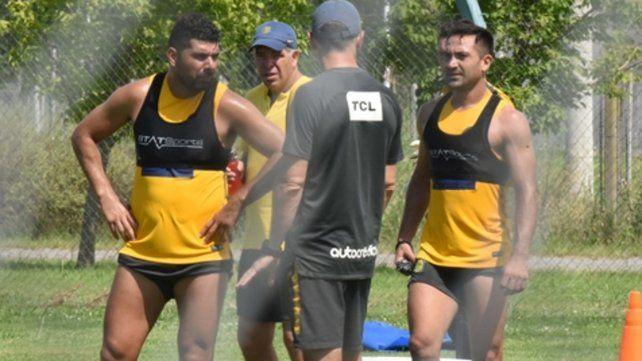 El doble 5. Ortigoza y Rinaudo juntos en un entrenamiento. Harían dupla en el medio.