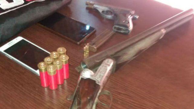 Las armas que serán sometidas a pericias para saber si se usaron en el doble homicidio.