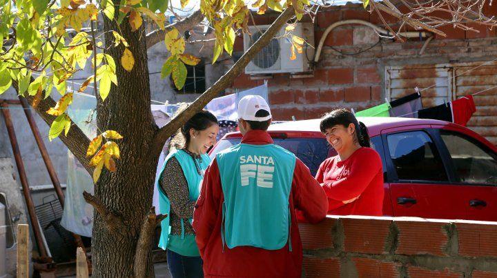 El Plan Abre Familia visita casa por casa a los habitantes para conocer sus necesidades y generar acciones.