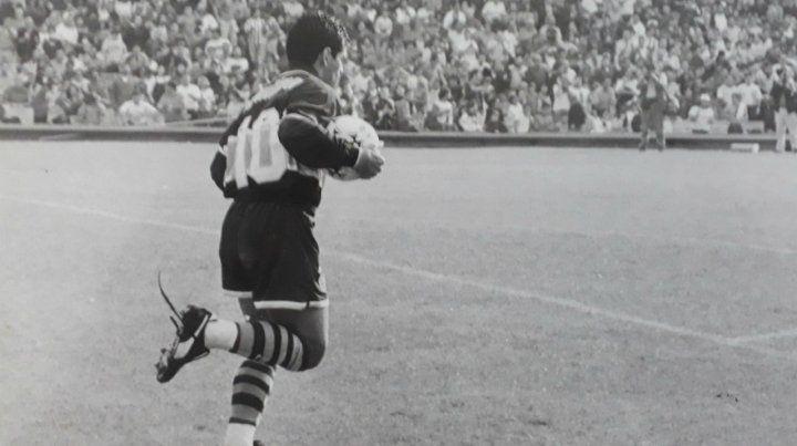 El último regreso de Maradona fue en cancha de Newells y con la camiseta de Boca.