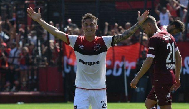Los goles a otra parte. Héctor Fértoli se había ganado un lugar entre los titulares del equipo del Parque. Newells necesita vender.
