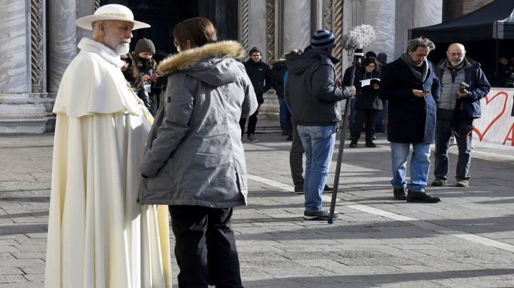 John Malkovich se viste de Papa en The new Pope