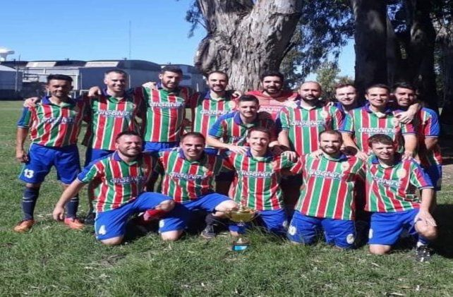 Milano y el rito de la vuelta en la Liga Rosarina de Fútbol Amateur
