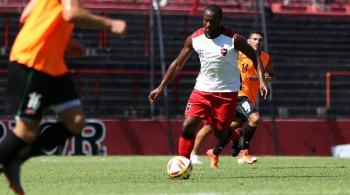 Se viene la Pantera. Leal anotó el gol de Newells en el 1 a 1 del equipo alternativo ante San Jorge.