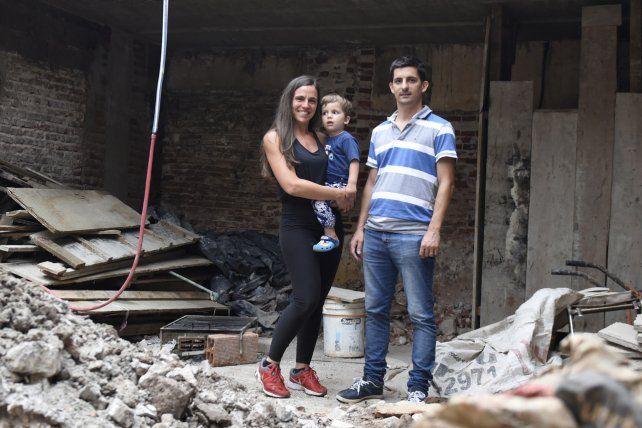 Juntos. Nicolás Garnerone y su familia expusieron su situación.