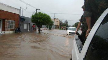 Desde las 5 de la madrugada hasta el mediodía, en Villa Minetti cayeron 170 milímetros de agua. Se coordinó la asistencia con el Ejército.