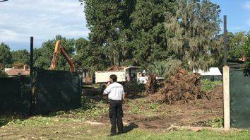 Bajo la lupa. Ya se realizaron algunas tareas de limpieza en el predio y la polémica se instaló en el barrio.
