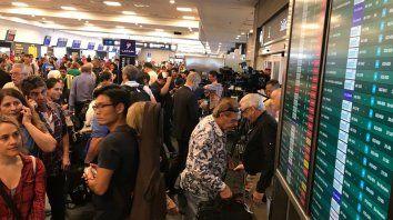 Pilotos de las aerolíneas inician un paro pese a la conciliación