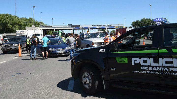 Realizan acciones de prevención vial en la autopista a Buenos Aires