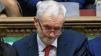 No ceden. El líder laborista Jeremy Corbyn declinó negociar con May.
