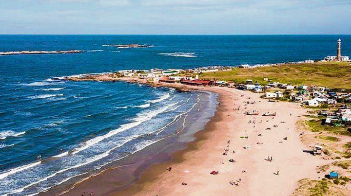 Cabo Polonio. Tranquilidad y belleza de la plaza seleccionada en el puesto 11.