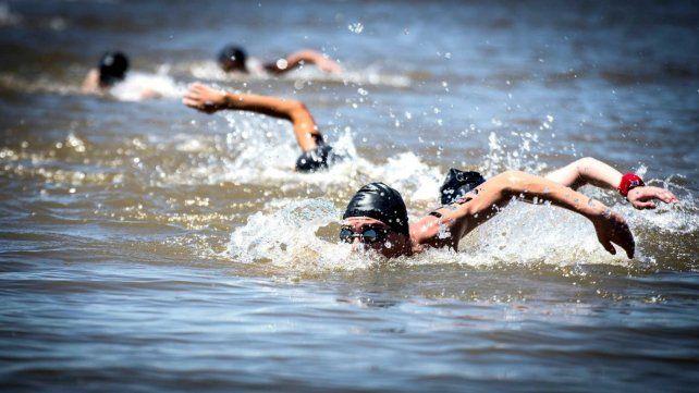 Presentaron el Maratón Acuático Internacional de Rosario