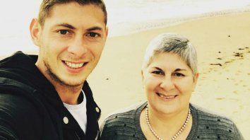 Emiliano y Mercedes, su mamá.